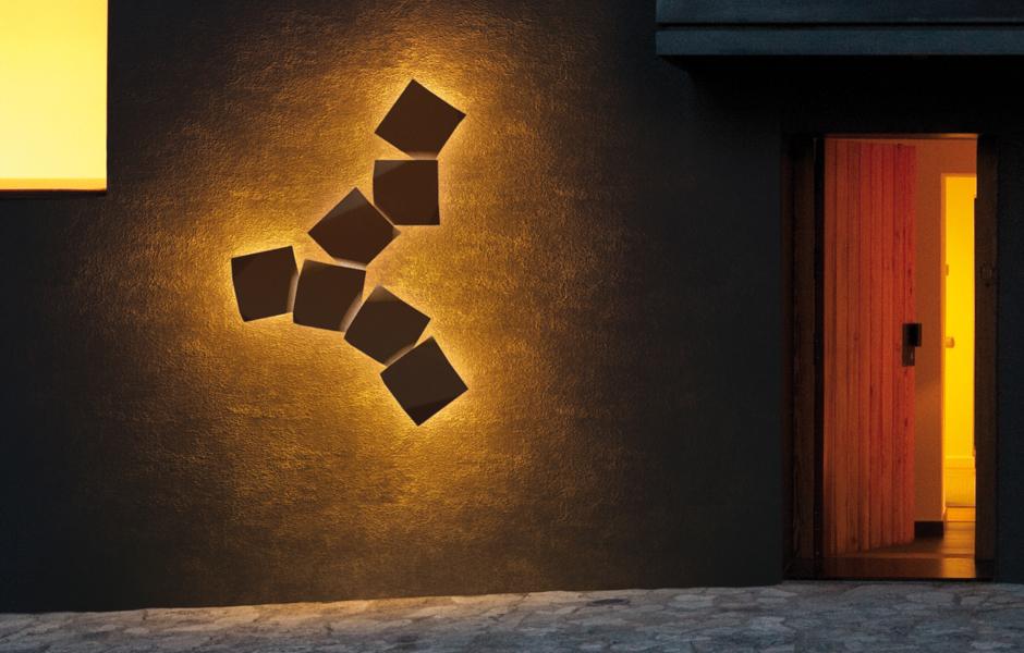 Akzentuierte Wand:Origami von Ramón Esteve für Vibia. Foto: Vibia