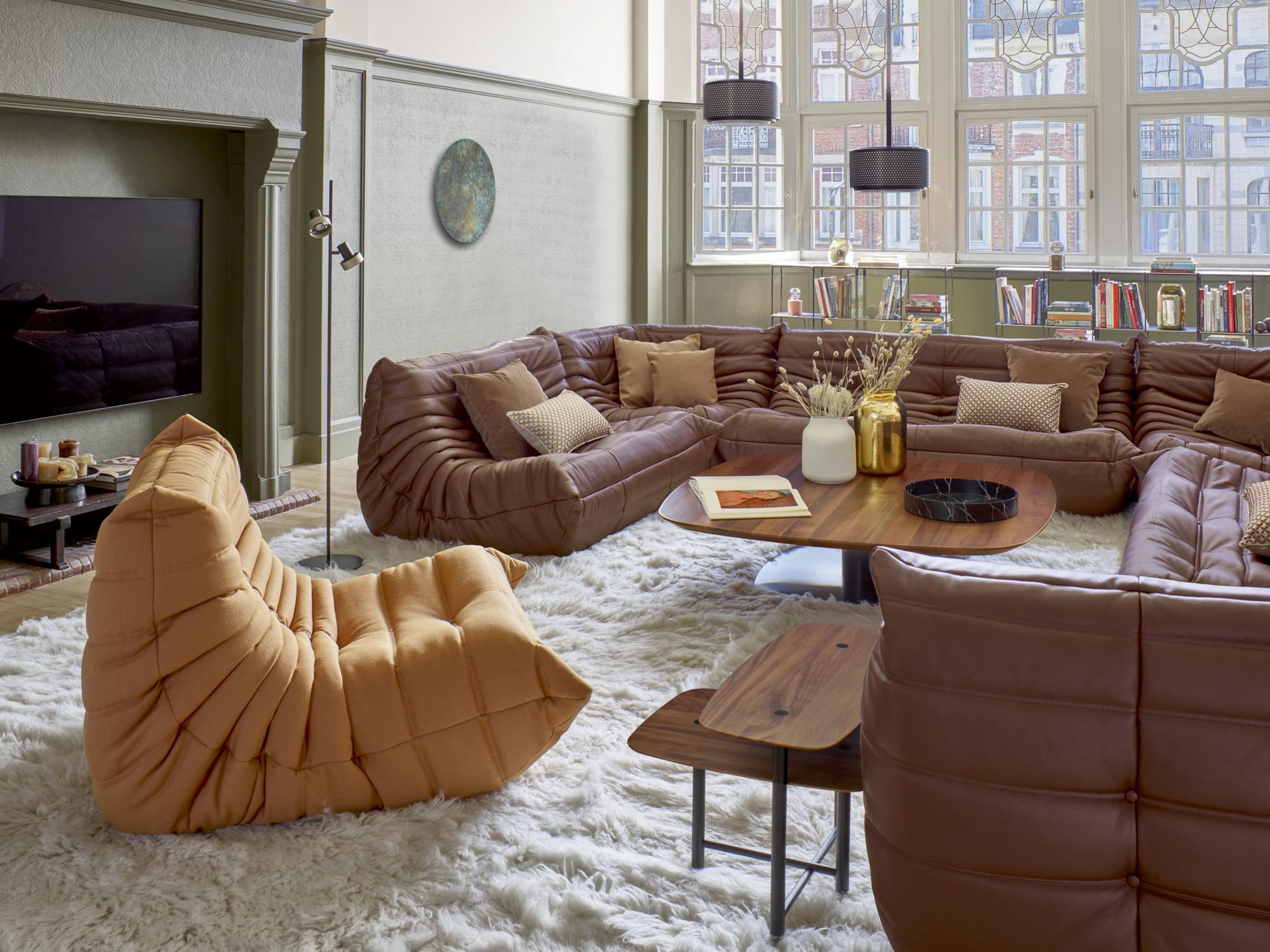 Togo vonMichel Ducaroy: bis heute mit über 1,5 Millionen Exemplaren das meistverkaufte Möbel des Unternehmens. Foto: Ligne Roset