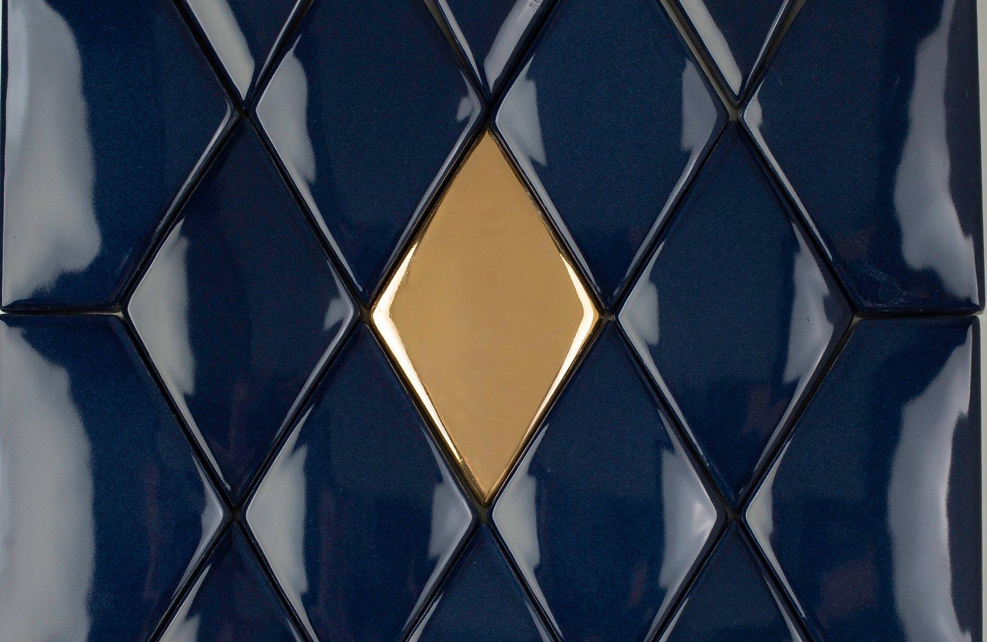 ORO BIANCO HANDMADE TILES präsentiert mit LIMMAT eine sehr vielseitige Fliese. Mit LIMMAT können sowohl ganze Wände als auch Wandbilder gelegt werden.