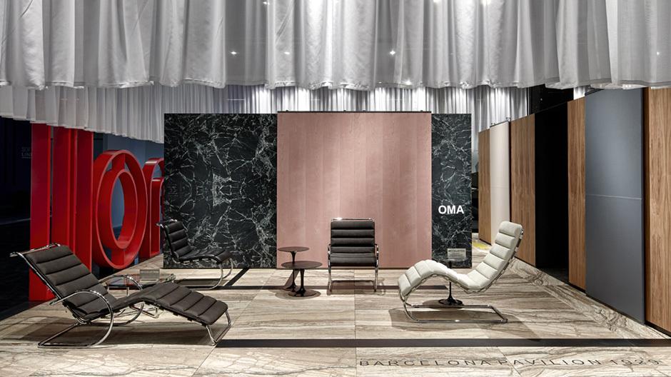Das Büro OMA gestaltete den Messestand von Knoll International als Collage mehrer Mies-van-der-Rohe-Gebäude. Foto: Knoll International
