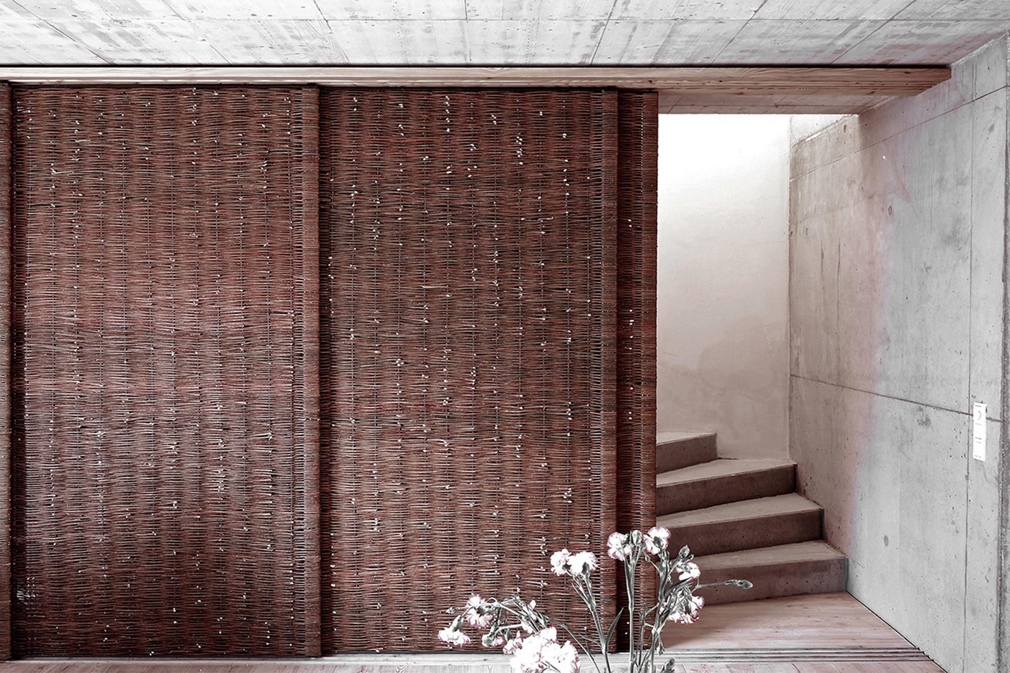 Zugang zum Treppenhaus, das in die oberen Stockwerke führt.