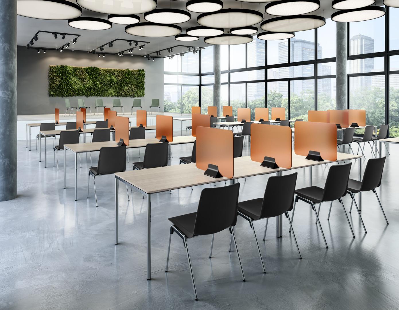 Tischdisplay team von Brunner in leuchtendem Orange. Bild: © Brunner GmbH