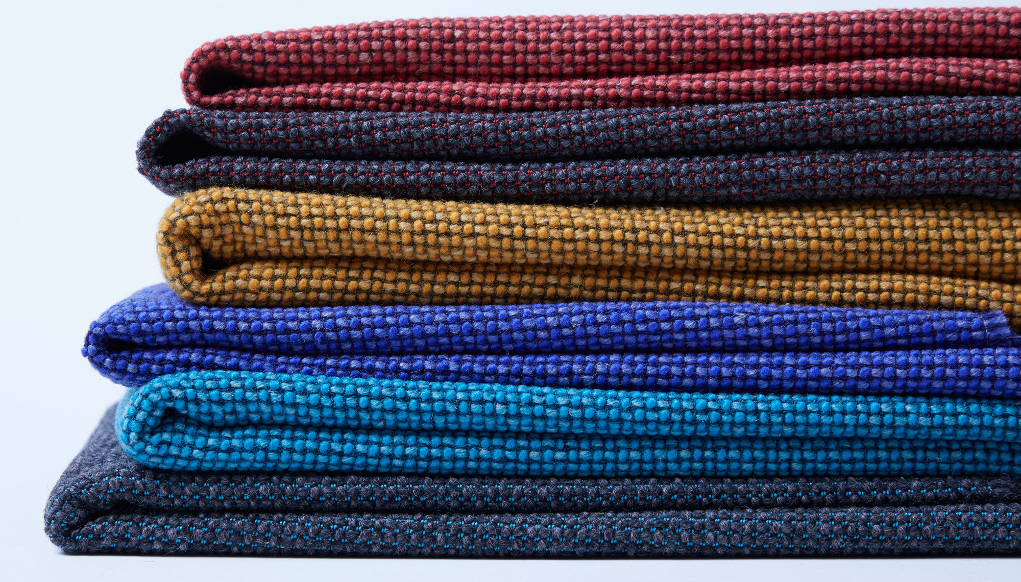Trend #5: Die Farben kommen! Textilkollektion Craggan Flax, Camira. Foto/ Copyright: Camira