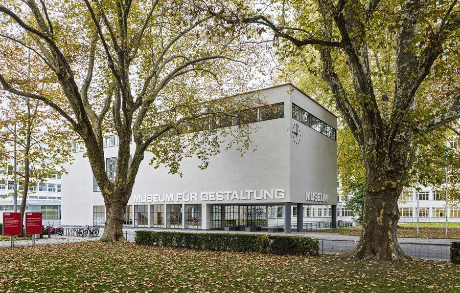 KEINE LANGEWEILE! IM MUSEUMDas Museum für Gestaltung in der Ausstellungstrasse wurde nach mehrjähriger Sanierung und Restaurierung gerade wiederöffnet. Dort gibt es ... Foto/ Copyright: Museum für Gestaltung Zürich