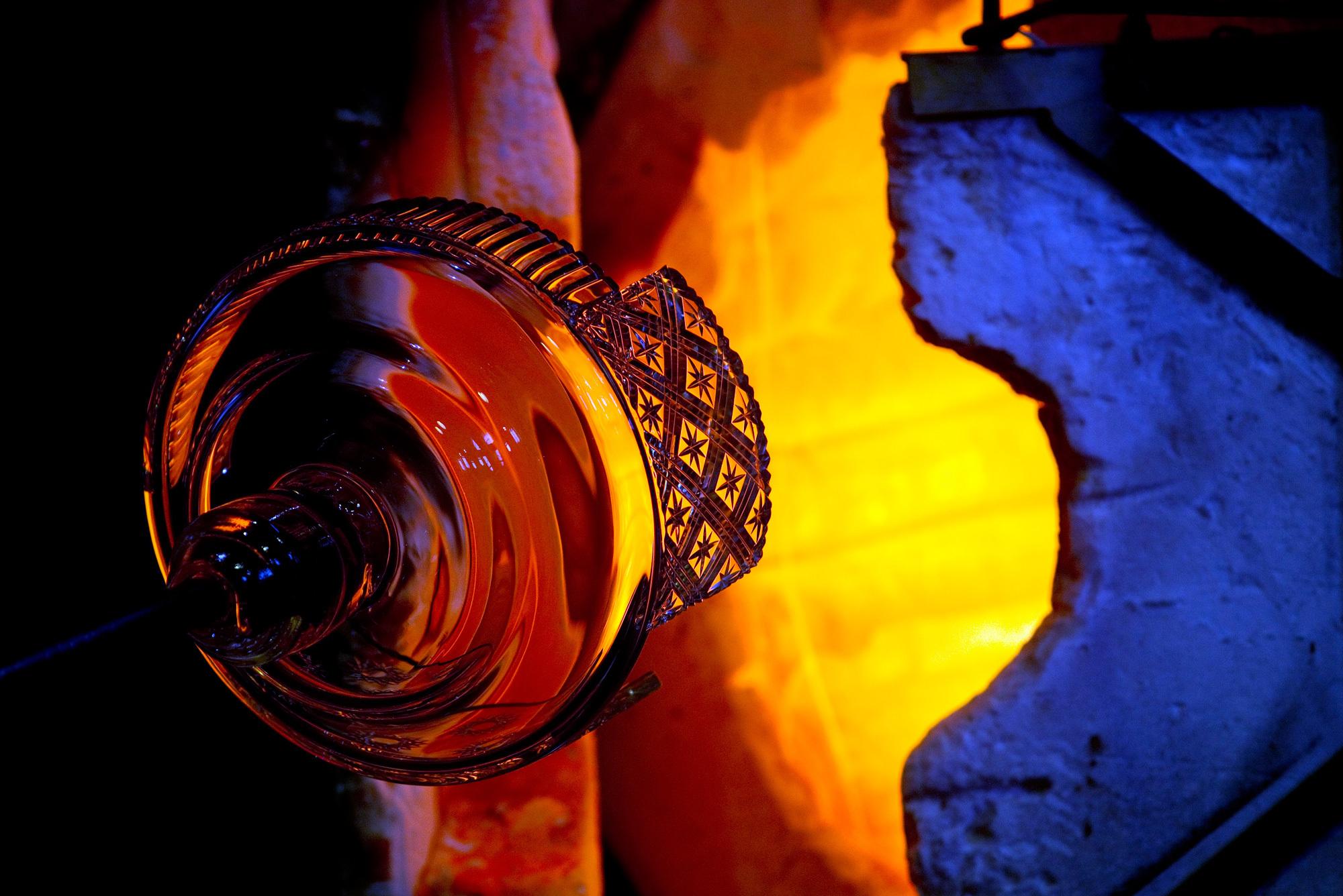 Making of ... Lasvit. Glasblasen ist eine hohe Kunst und gleichzeitig ein ... Foto/ Copyright: Lasvit