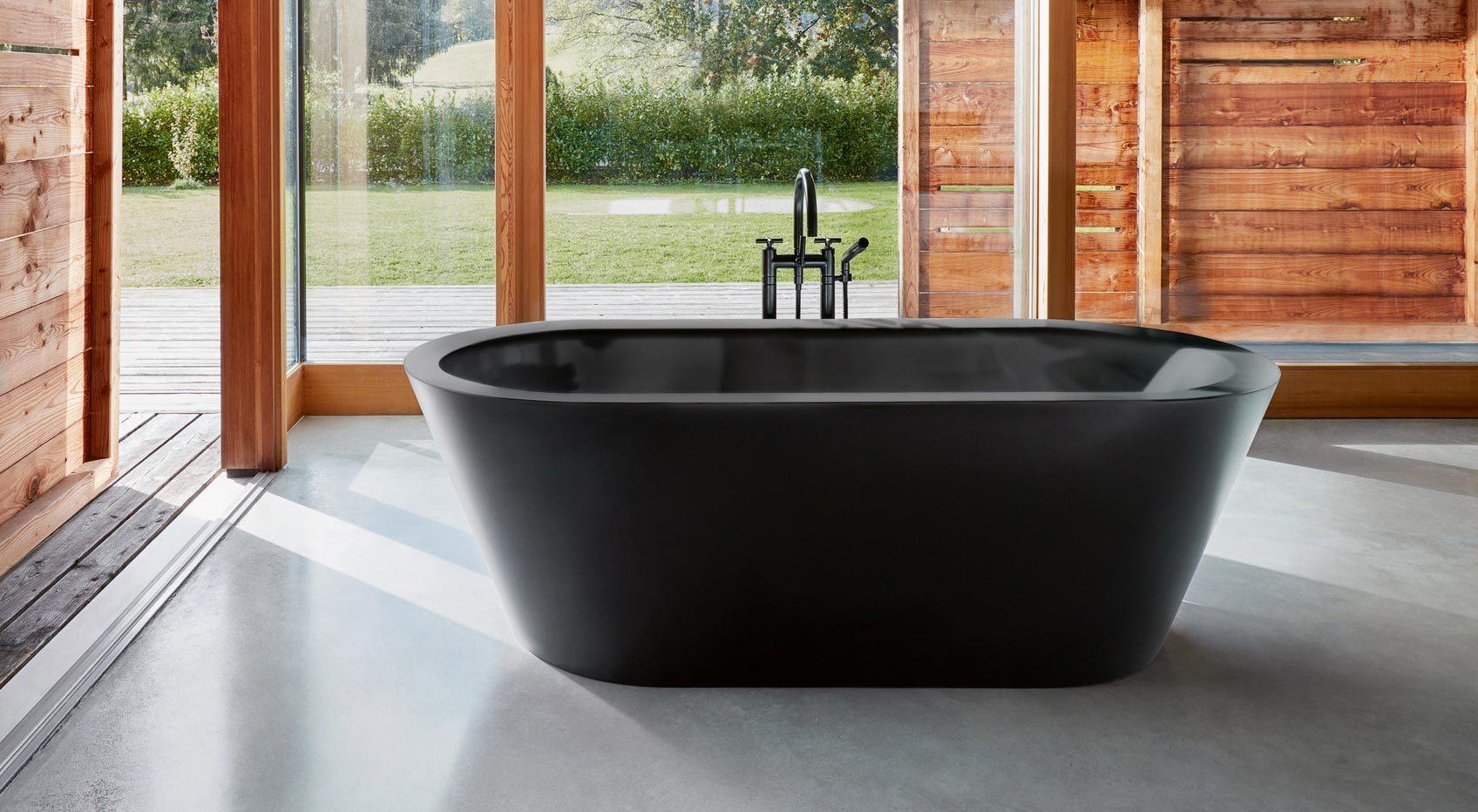 Freistehende Badewanne BetteStarlet in der Farbe Ebony.