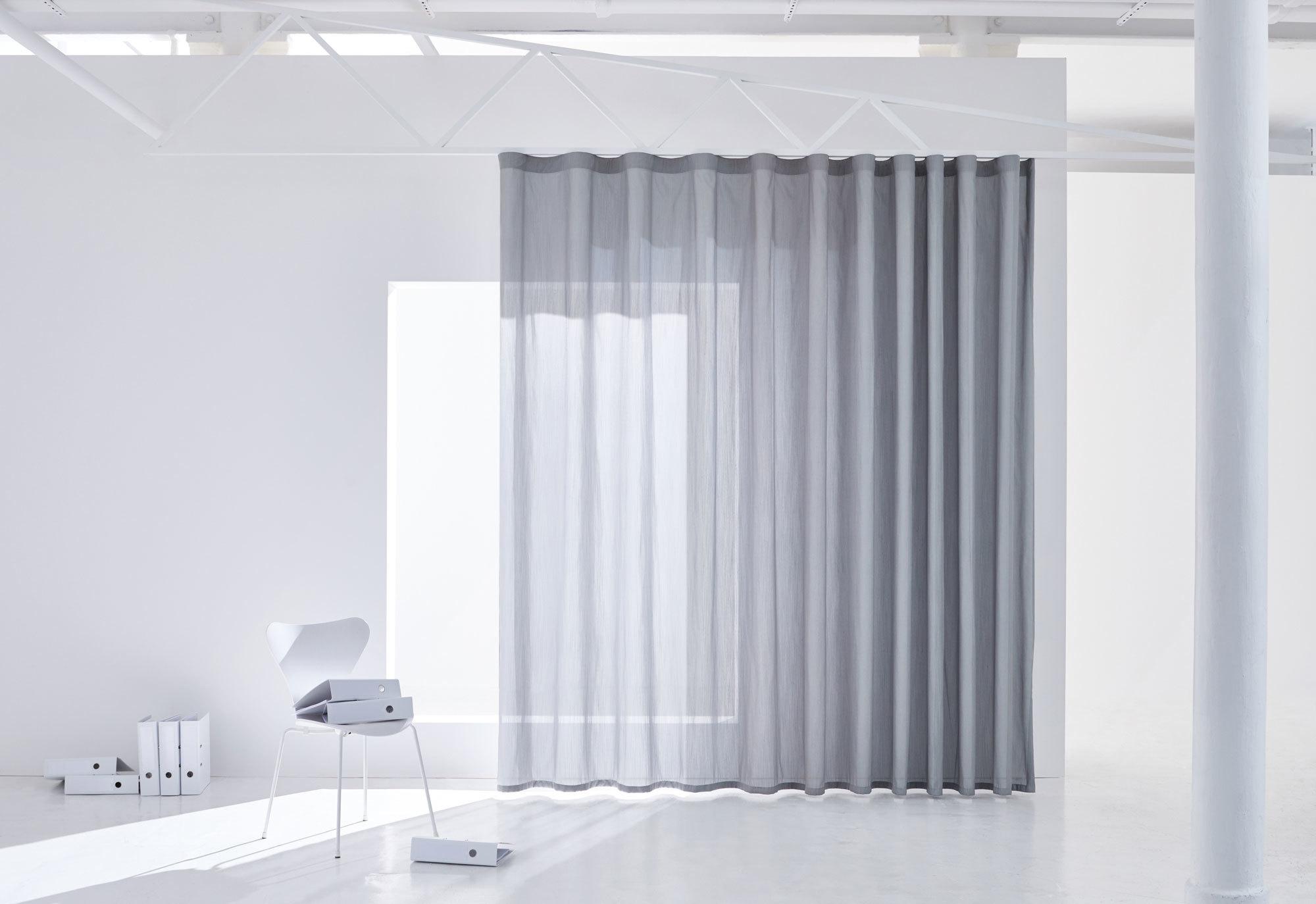 Vorhangstoff Cloud aus der Glare & Heat-Kollektion von Création Baumann.