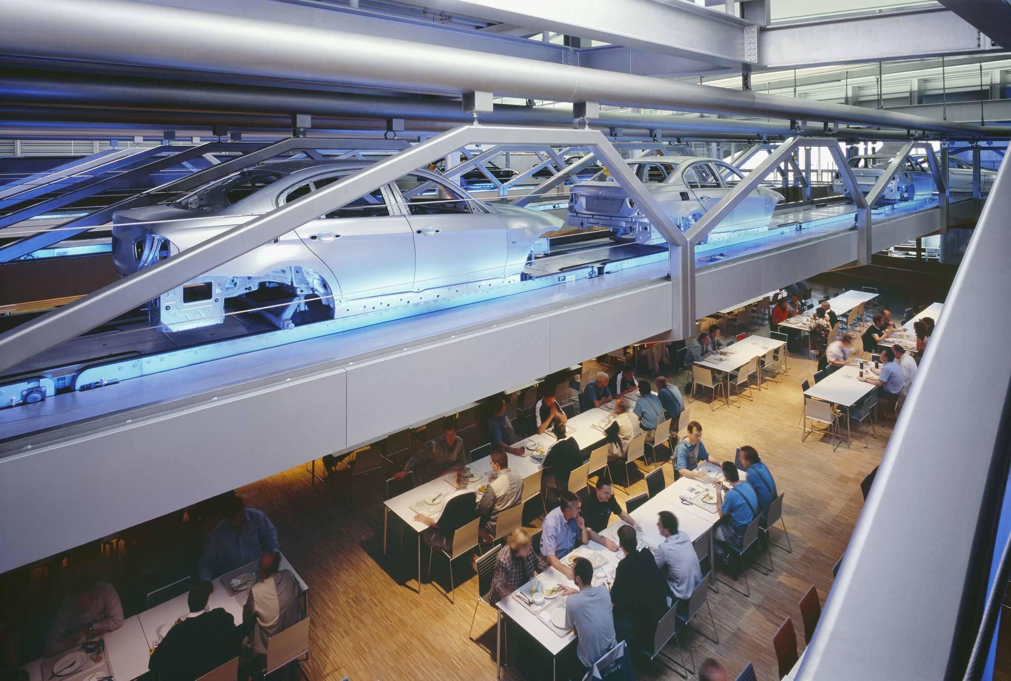 BMW-Gebäude, Zaha Hadid Architects, Leipzig, 2005, Foto: Werner Huthmacher