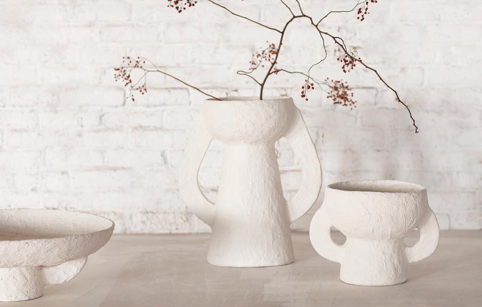 ICH HAB DIE WOHNUNG SCHÖN: DEKORATIVE OBJEKTEArchaische Anmutung: Marie Michielssen hat für das belgische Label Serax die Vasen- und Schalenkollektion Earth2 entworfen. Foto: Serax