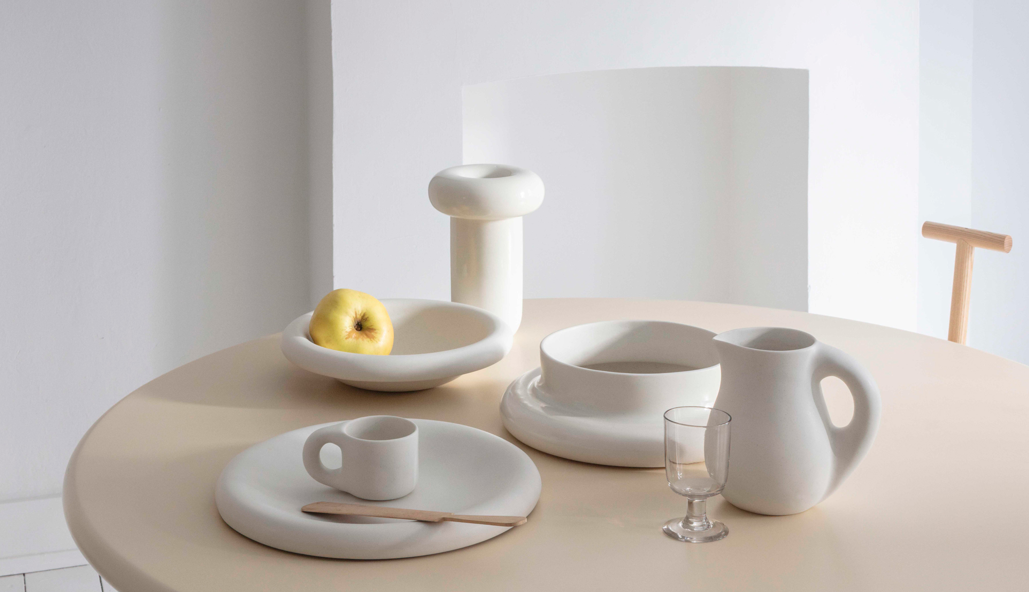 Trend #1: Rough-Style & Keramik-LookKeramik-Kollektion Dough von Toogood. Foto/ Copyright: Matthew Donaldson