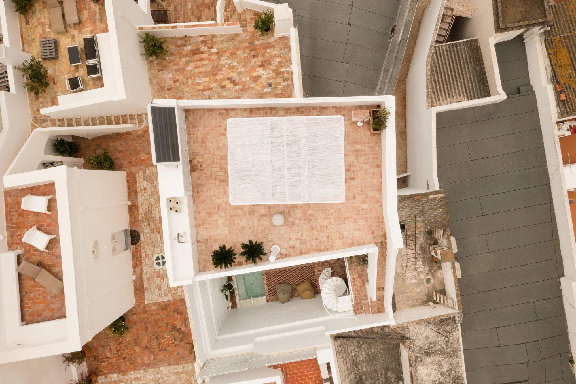 Aus der Vogelperspektive ist die verschachtelte Architektur der 15 000 Einwohner-Stadt an der Algarveküste besonders gut zu erkennen.