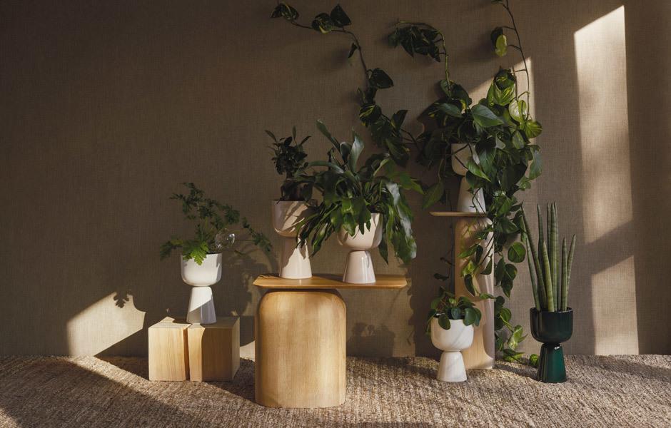 DIE RUCKZUCKVERWANDLER: ACCESSOIRESAuch Blumentöpfe gibt es aus Designerhand, wie der Entwurf Nappula von Matti Klenell für Iittala zeigt. Foto/ Copyright: Iittala