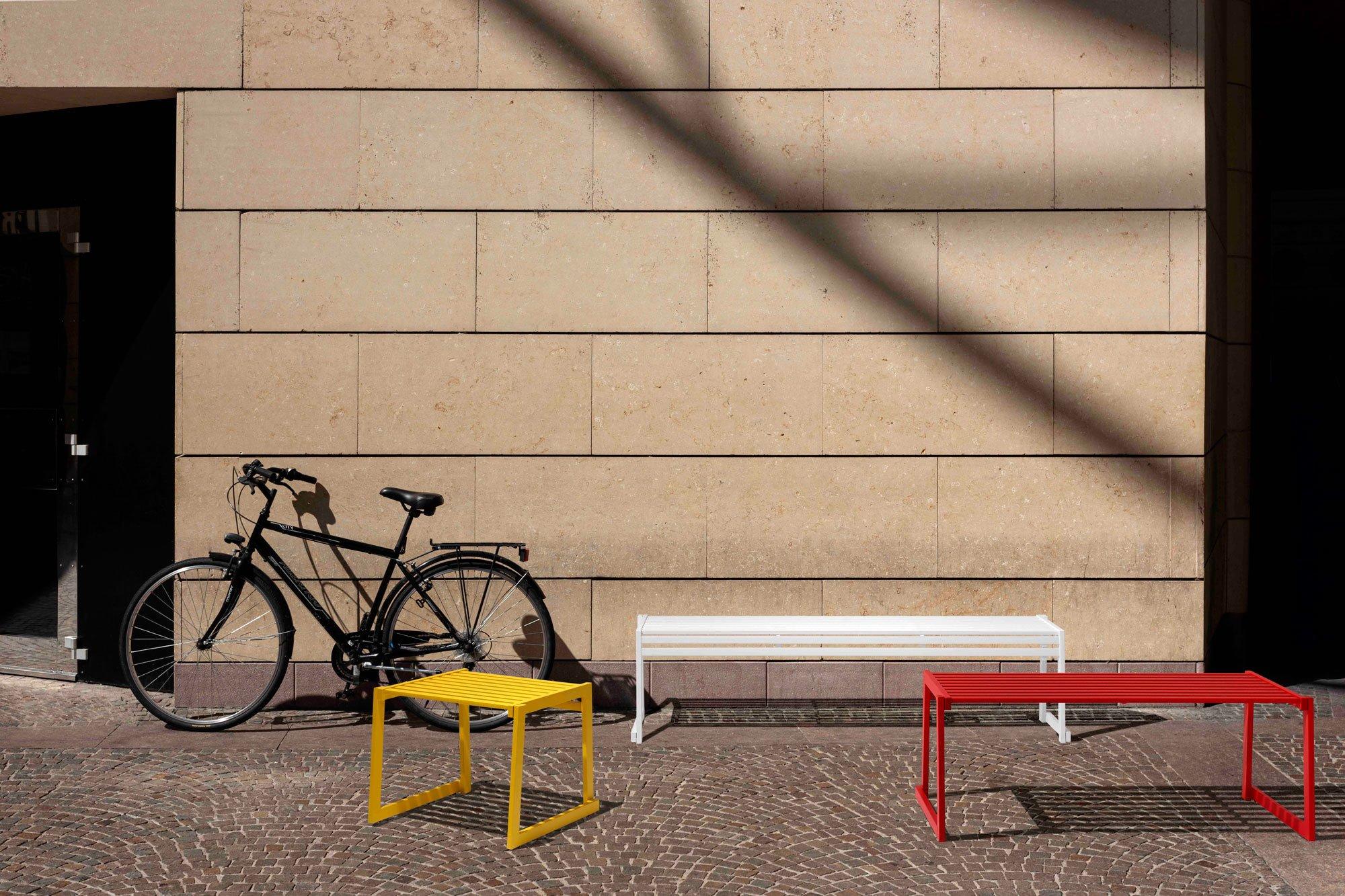 Outdoor-Möbel & Outdoor-KüchenBasaglia + Rota Nodari Studio, Sitzbänke Cortina.026, Diemmebi. Foto/ Copyright: Diemmebi