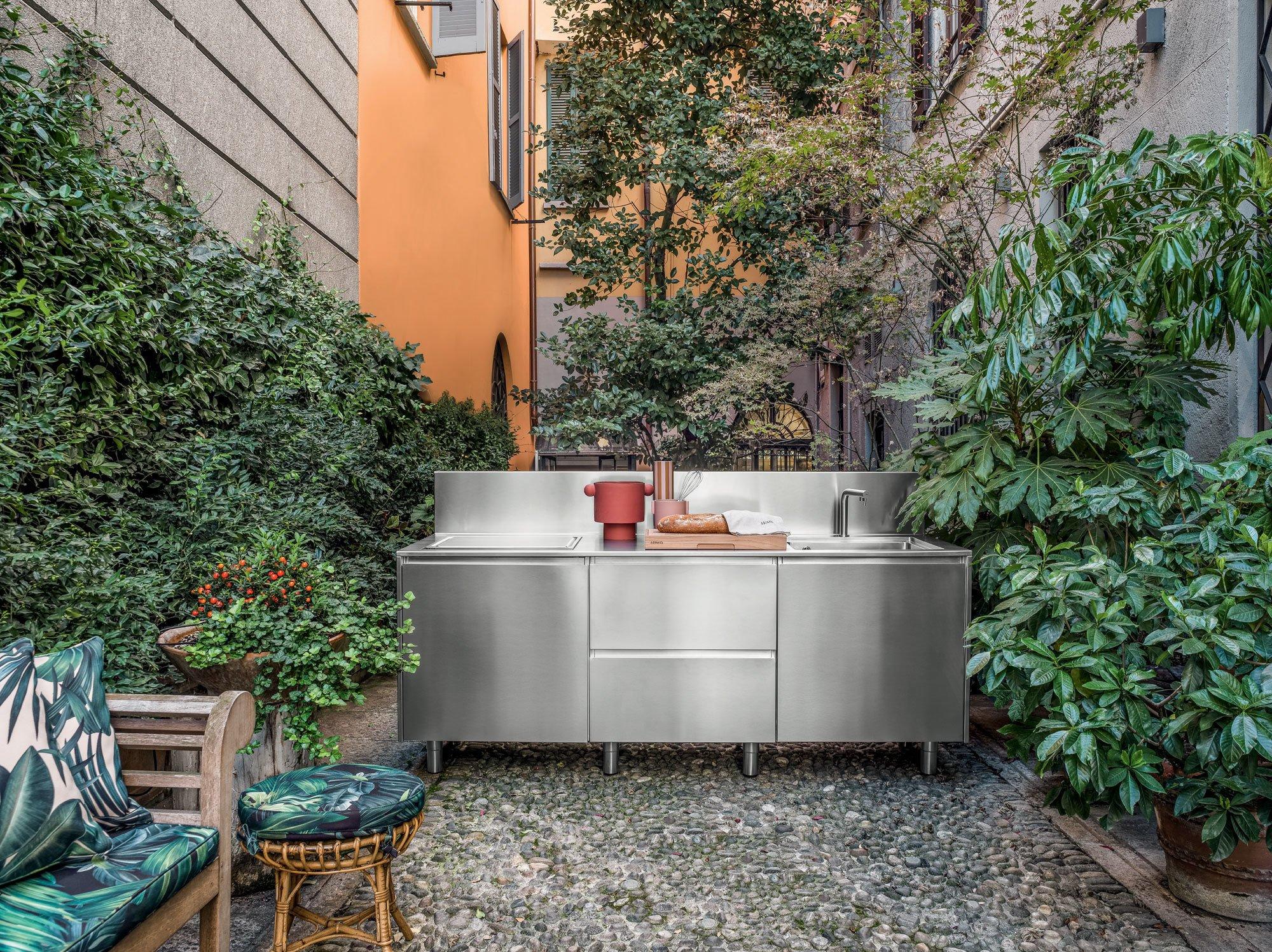 Outdoor-Möbel & Outdoor-KüchenOutdoor-Küche Atelier von Abimis im Mailänder Stadtteil Brera. Foto/ Copyright: Abimis