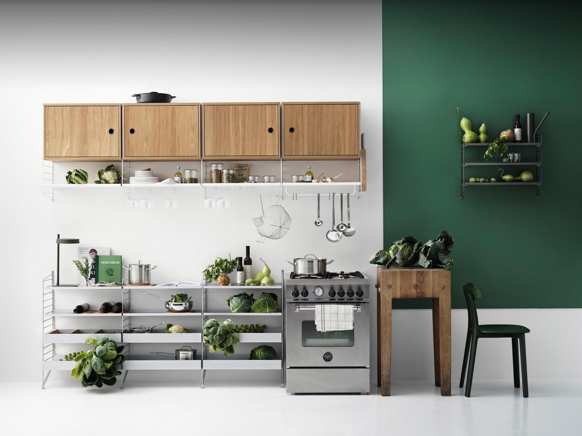 Trend #1: Die Küche als WohnraumSelbst das String-Regal wird jetzt küchentauglich. Foto/Copyright: String