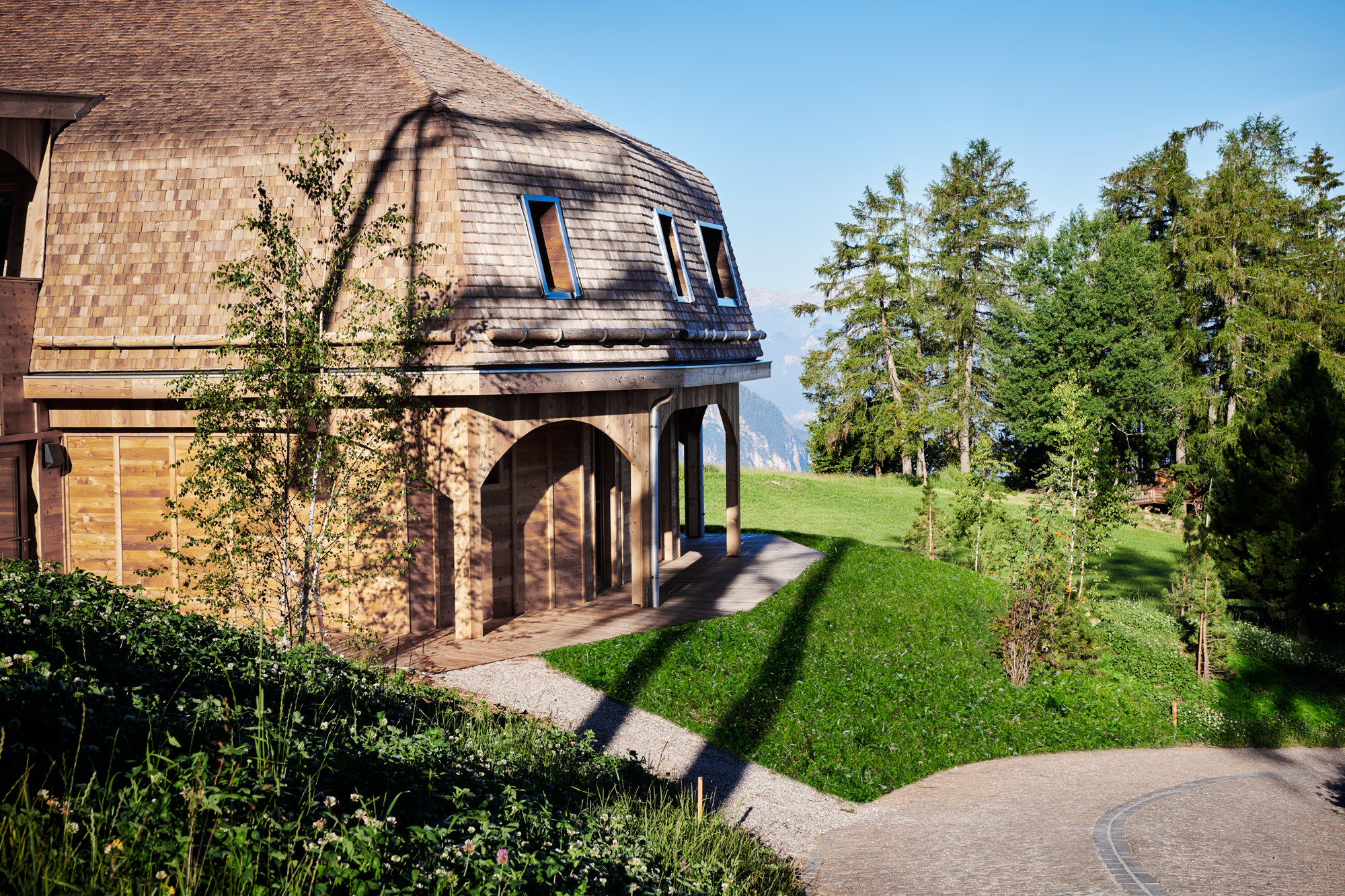 Das Rundhaus Pavillon birgt zwei Suiten. Foto: Max Rommel