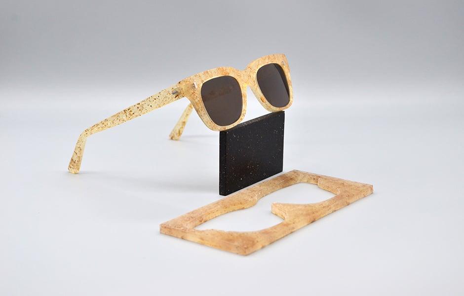Parblex-Brillengestell: ein Chip(s)board-Prototyp in Kooperation mit Cubitts.