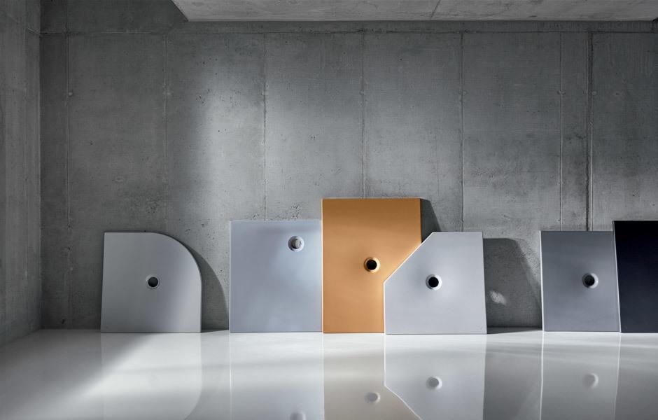 Vielseitig: Die BetteFloor Collection gibt es in vielen verschiedenen Farben. So können die Duschflächen mit dem Boden verschwimmen oder Kontraste setzen. Foto/ Copyright: Bette