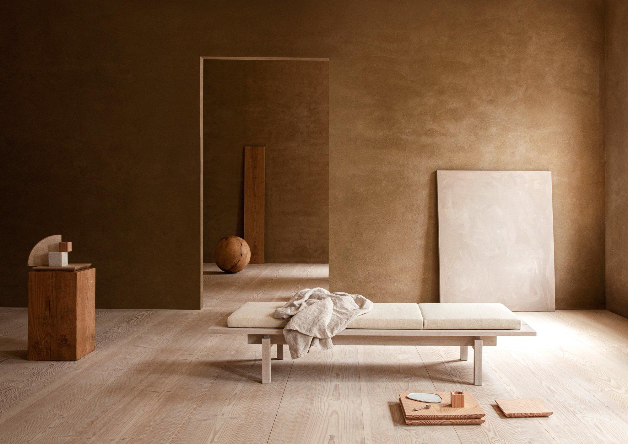 Dinesen hat während 3 Days of Design eine Möbelkollektion gelauncht, hier ein Daybed aus Eichenholz. Foto: Jonas Bjerre Poulsen