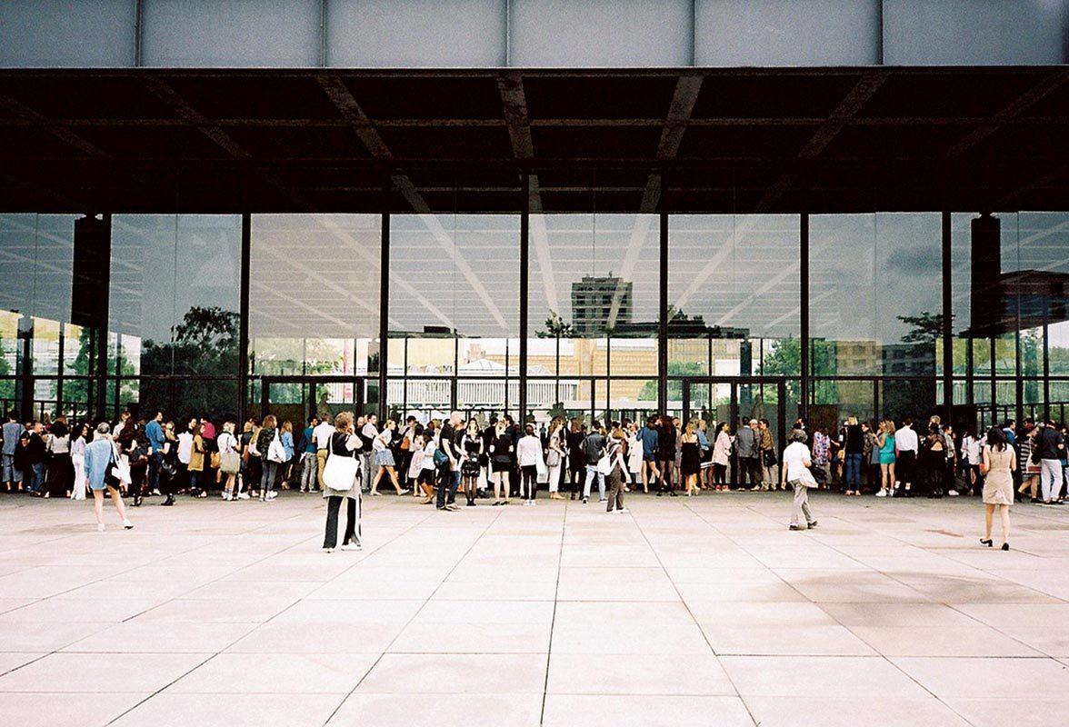 Für Perret Schaad: Fashionshow in der Neuen Nationalgalerie, © Something Fantastic