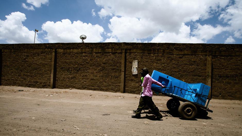 Die Blue Diversion-Toilette beim Feldtest in Nairobi © EOOS / Eawag