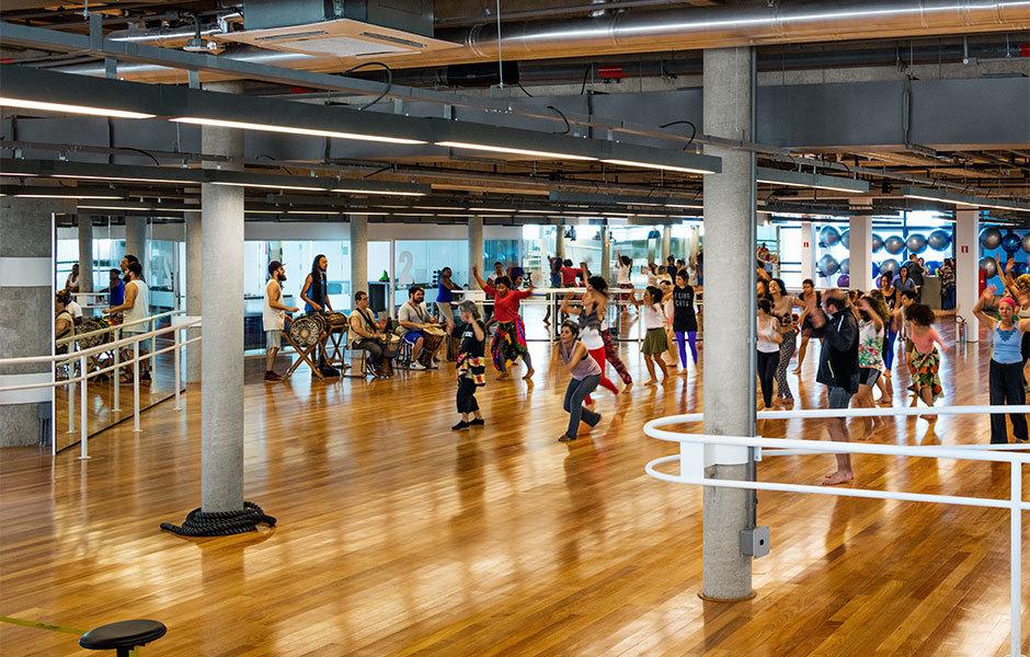 Das Kulturzentrum SESC24 de Maio in Sao Paulo von Paulo Mendes da Rocha und MMBB. Foto: Nelson Kon
