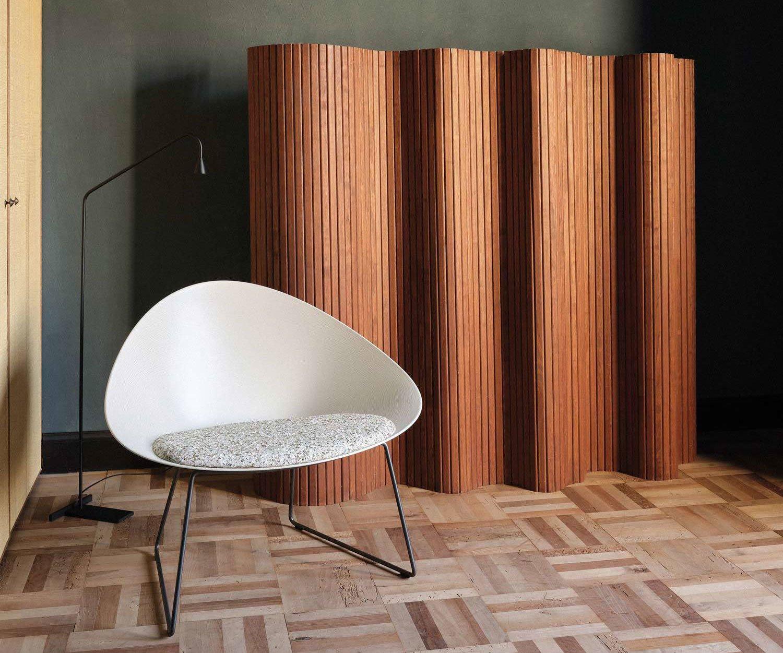 Kollektion Adell für Arper, Design: Lievore + Altherr Désile Park, 2020, Foto: Frederik Vercruyse