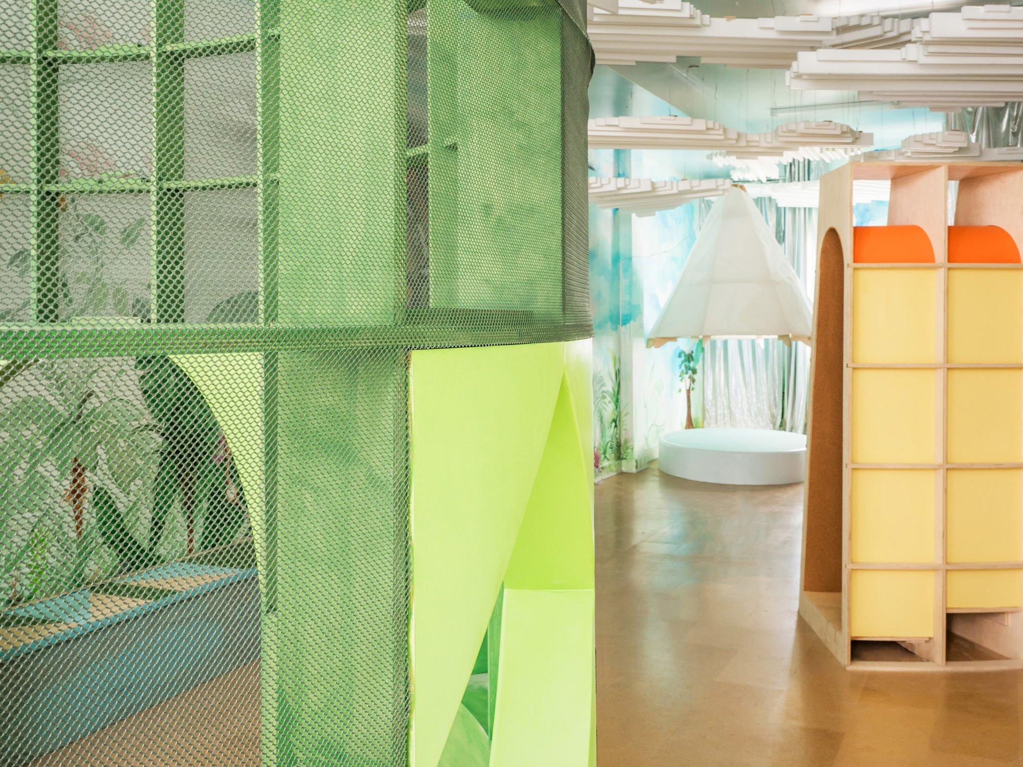 In Brooklyn hat Architensions einen Indoor-Spielplatz entworfen, der sich die Natur zum Vorbild nimmt und mit Sinn für Ästhetik punktet.