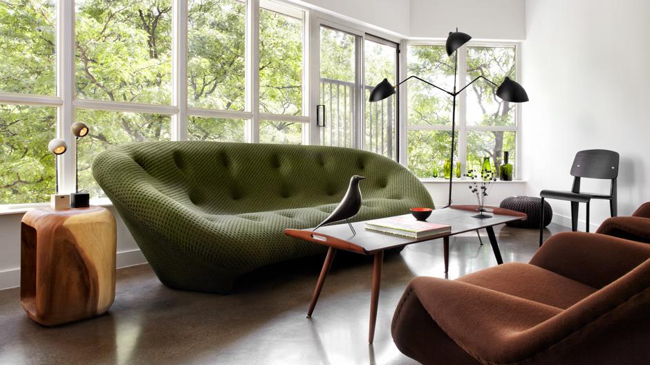 Das Sofa Ploum von Ligne Roset hatte der Kunde in Stéphane Chamards Heim gesehen und wusste: Das will ich auch.