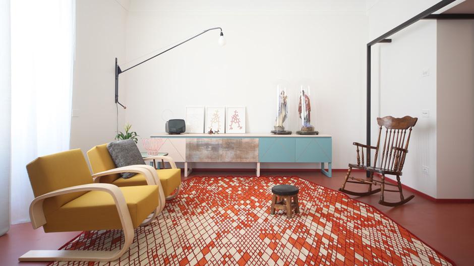 Der Entwurf des Apartments eine jungen Paares in Bari führte die Architekten des Studios UdA auf eine Entdeckungsreise zu den Eigenheiten des italienischen Südens.