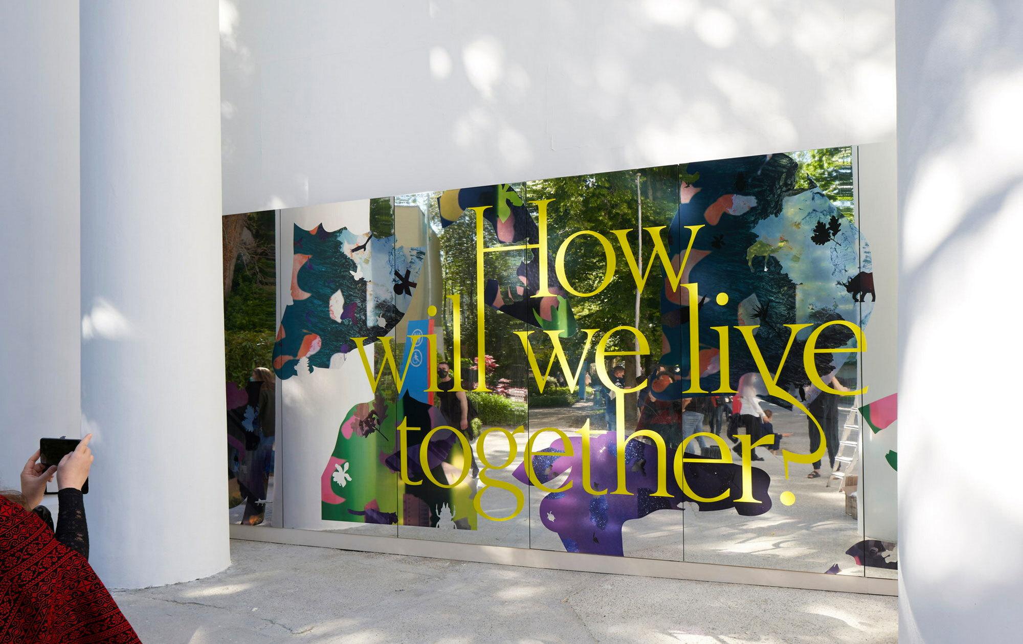 How will we live together? Kurator Hashim Sarkis wirft mit der 17. Architekturbiennale in Venedig einen Anker ins Morgen.Foto: Nils Koenning