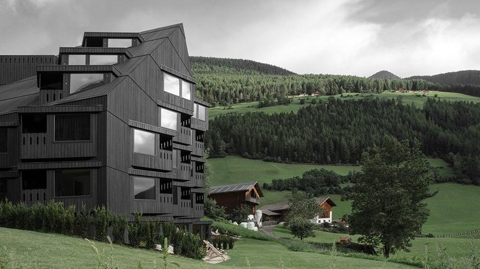 Südtirol: Hierher kommt, wer das Ursprüngliche sucht und das Gute, das gilt auch für Architektur und Design. Hier: Bühelwirt, Foto: Gustav Willeit
