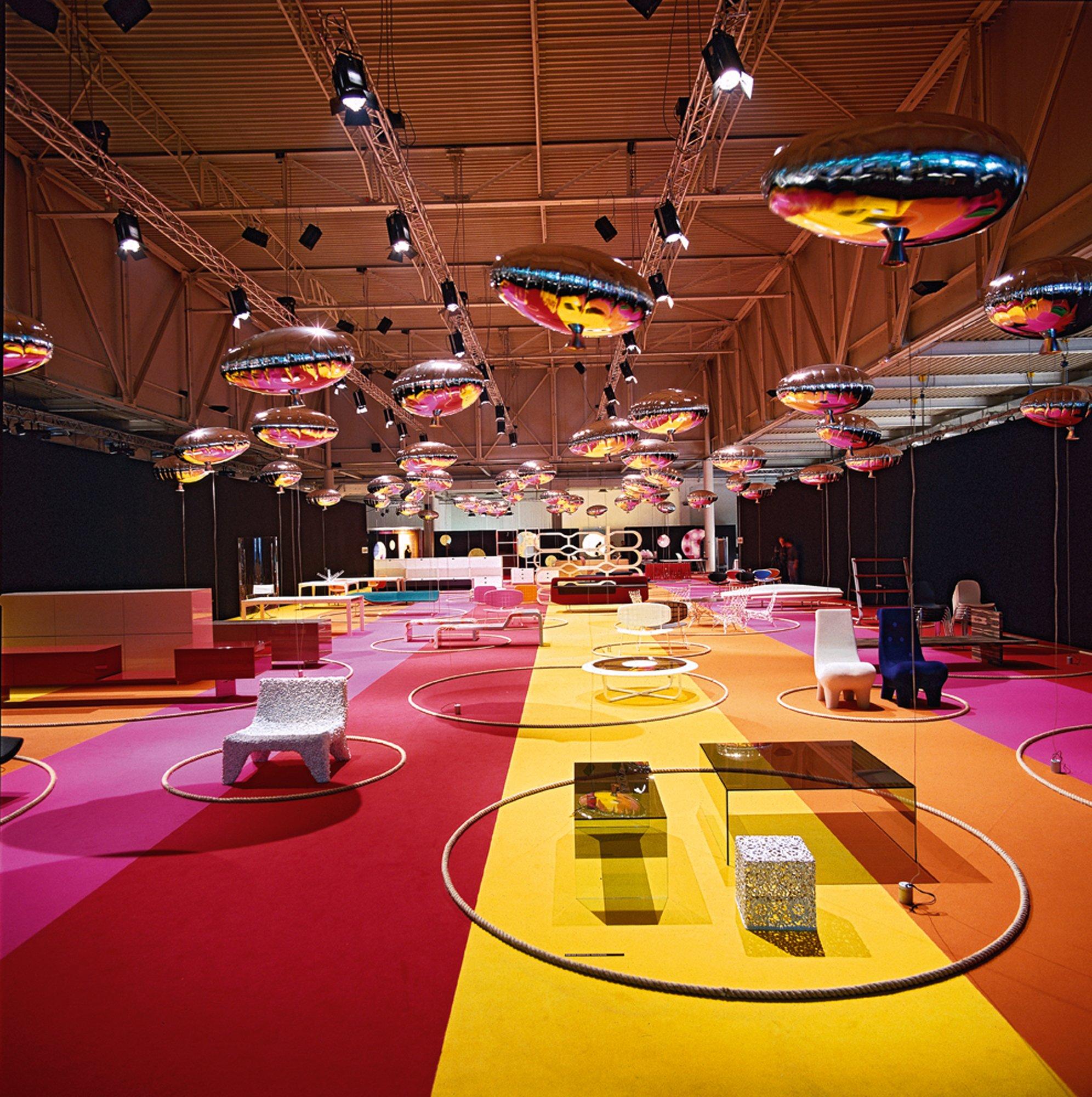 Cappellini Ausstellung im Superstudio Più in Mailand anlässlich des Salone del Mobile 2001. Foto: Cappellini