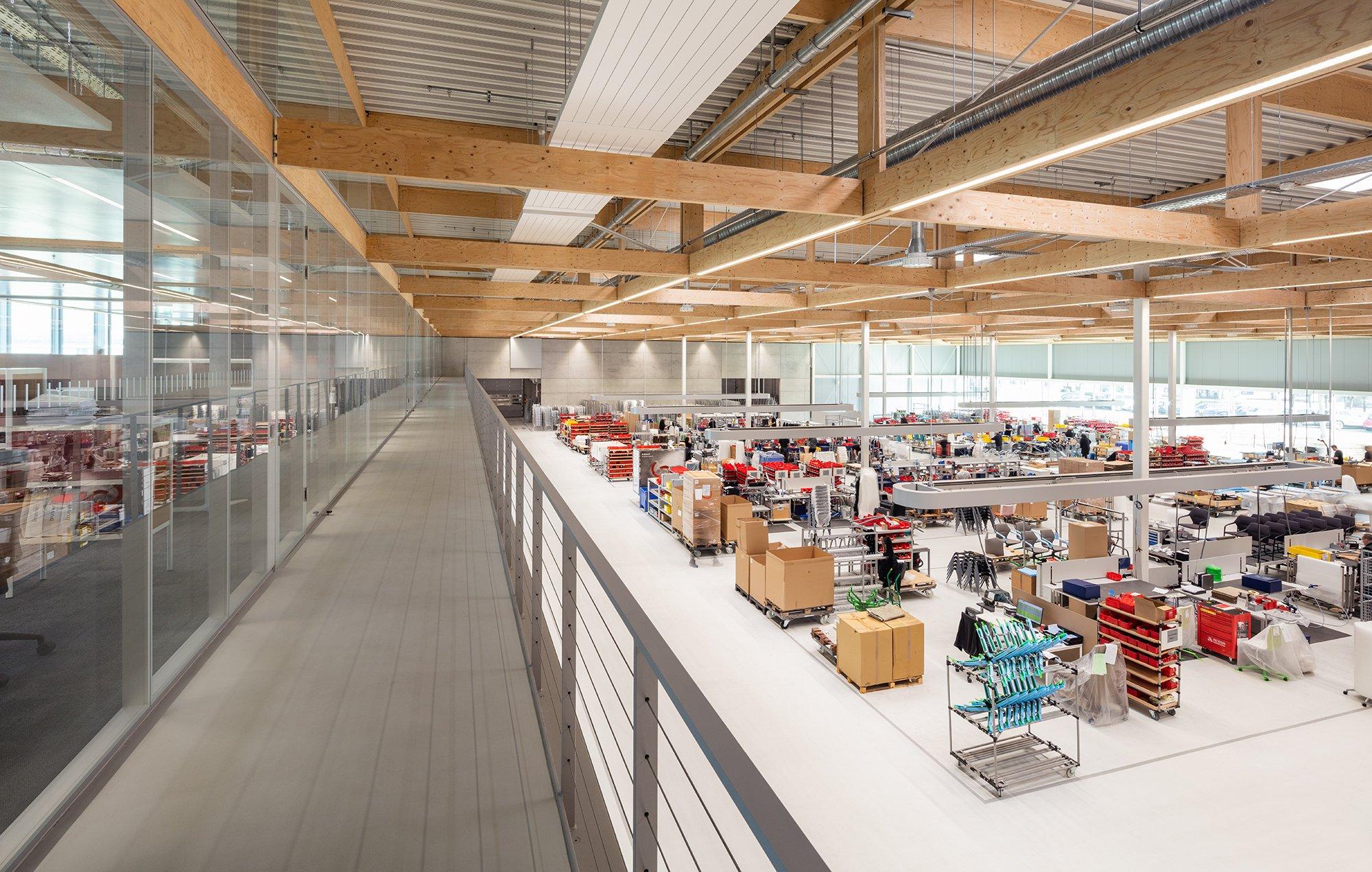 Die offene Architektur bringt Verwaltung und Produktion nah zusammen.