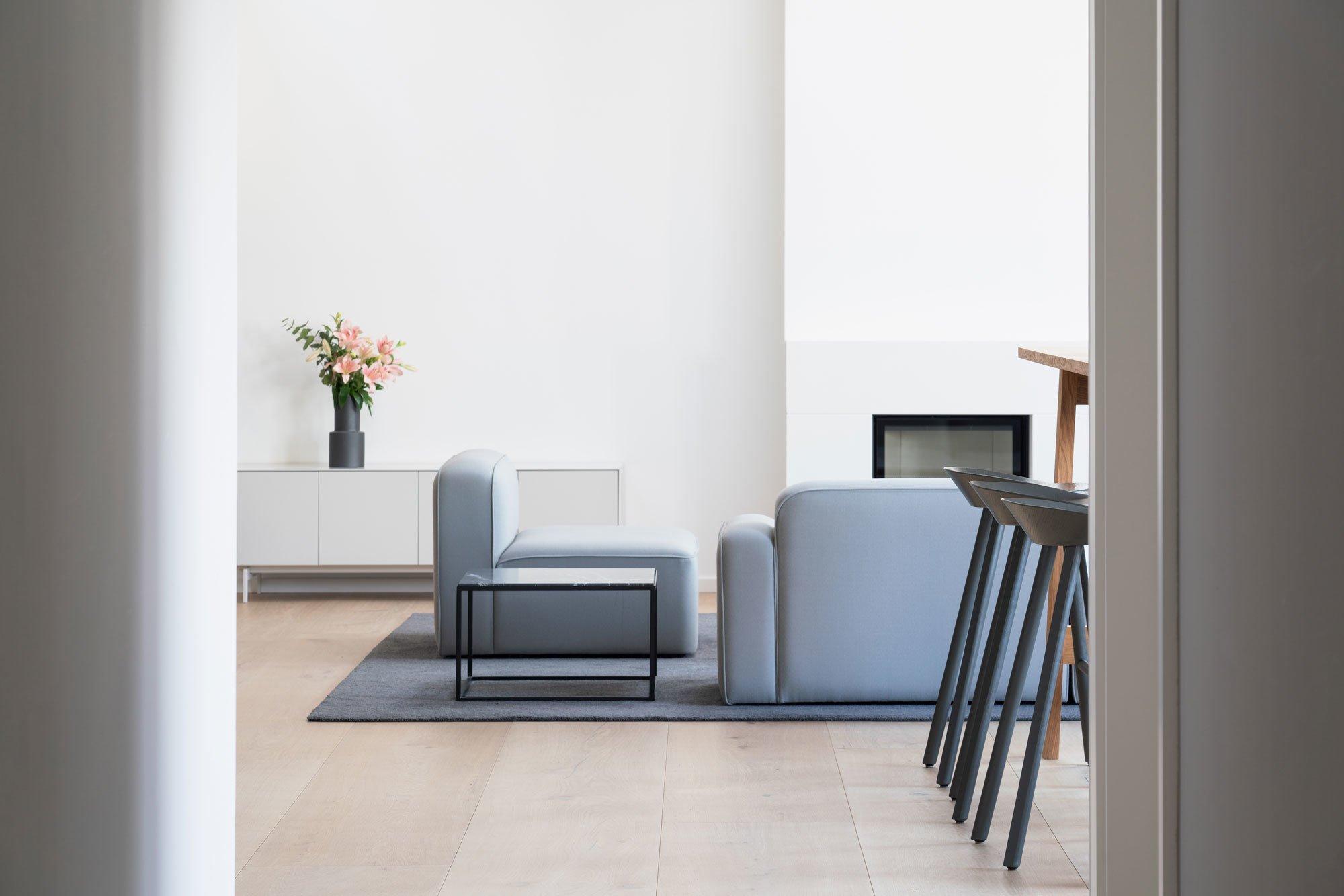 Das Architekturbüro BBPA gestaltete gemeinsam mit Patrick Batek ein Dachgeschoss zum Büro um. Es wirkt so wohnlich, dass man am liebsten einziehen würde.