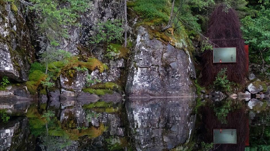 Gartnerfuglen Arkitekter und Mariana de Delás bauten an einem kleinen Bergsee im Süden Norwegens eine abgelegene Fischerhütte.