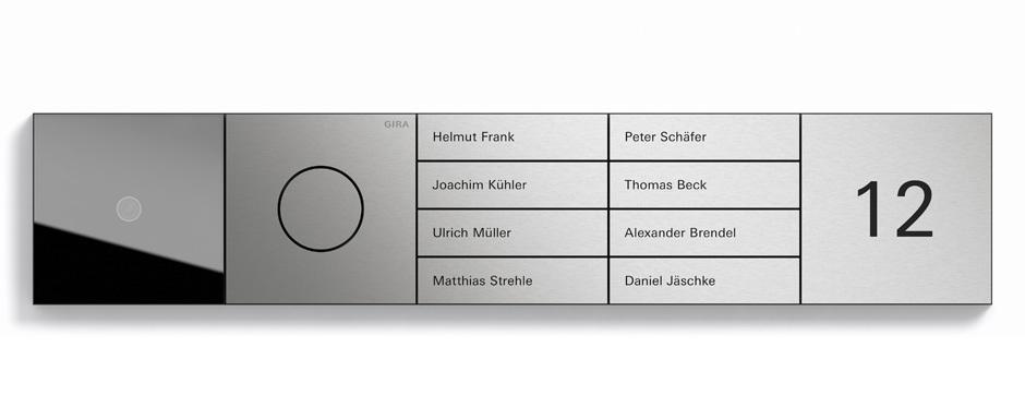 Die Frontplatten des System 106 sind aus Metall und in gebürstetem Edelstahl (V2A-Edelstahl, 240er-Schliffbild), eloxiertem Aluminium (E6-C0) oder Verkehrsweiß lackiert (RAL 9016) erhältlich.