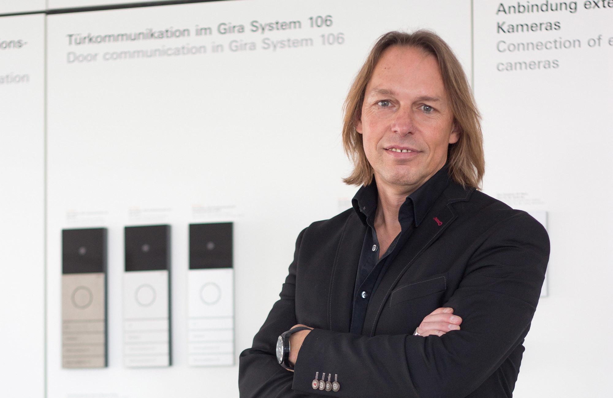 Ein Rückblick auf 20 Jahre smartes Home mit Hans-Jörg Müller, Leiter Produkt und Design bei Gira.
