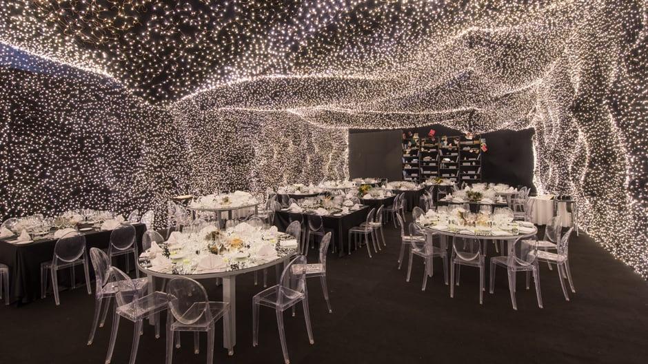 Für die Inneneinrichtung eines Restaurants in Mexiko-Stadt ließen sich die Architekten von Christopher Nolans Film Interstellar inspirieren.