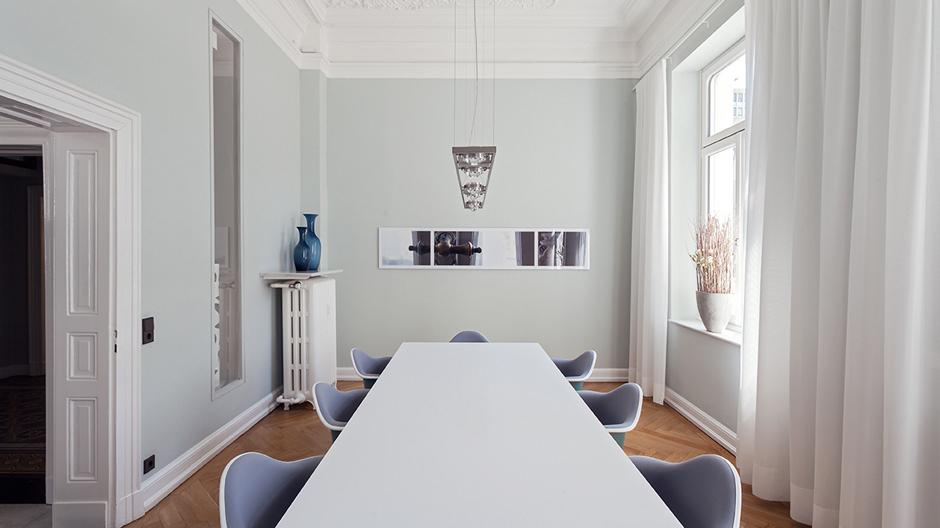 Druschke + Grosser Architekten bauten eine historische Duisburger Villa in ein stilvolles wie zeitgemäßes Büro um.