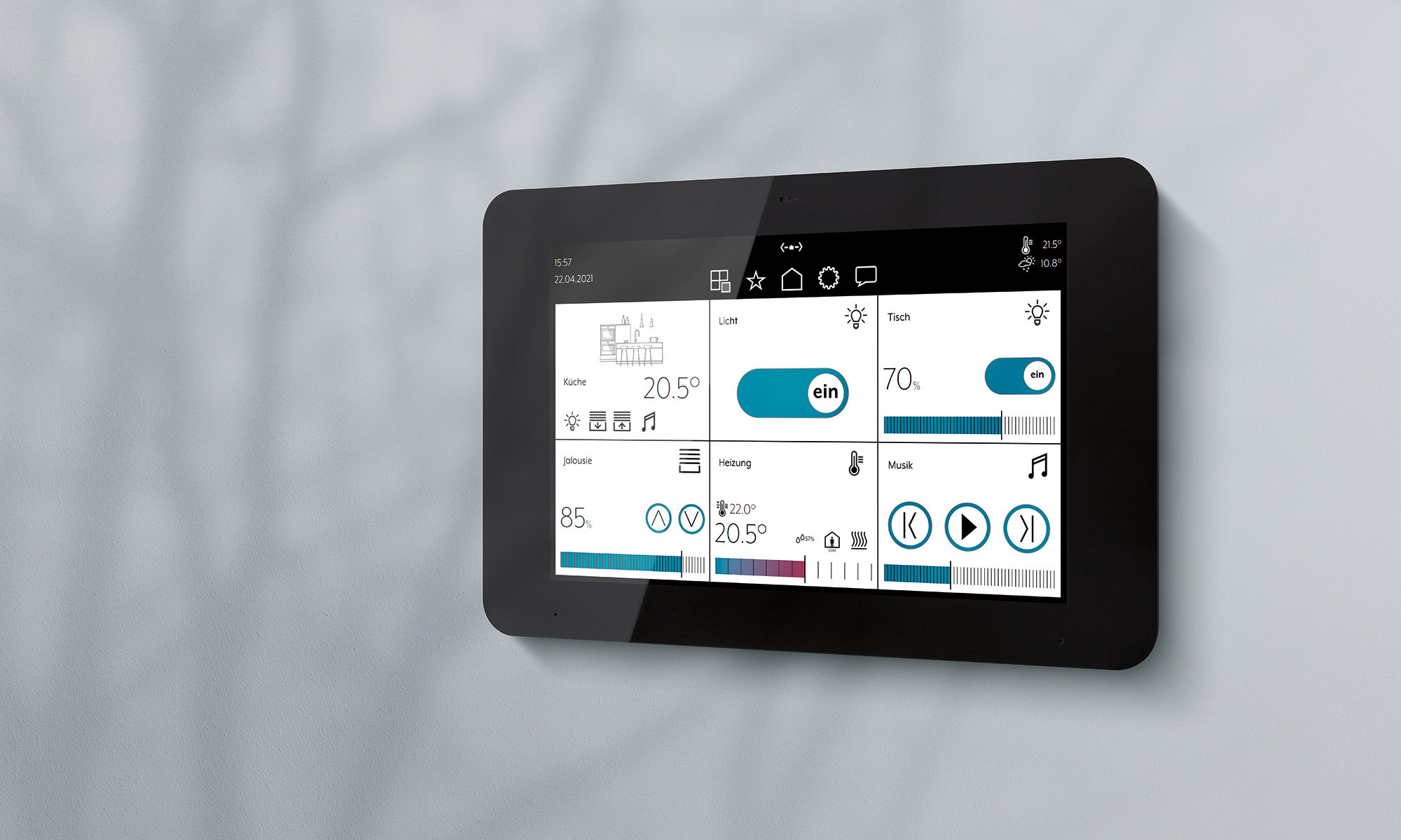 Das JUNG KNX Touchdisplay Smart Panel 8 steuert und visualisiert alle Vorgänge im KNX System.