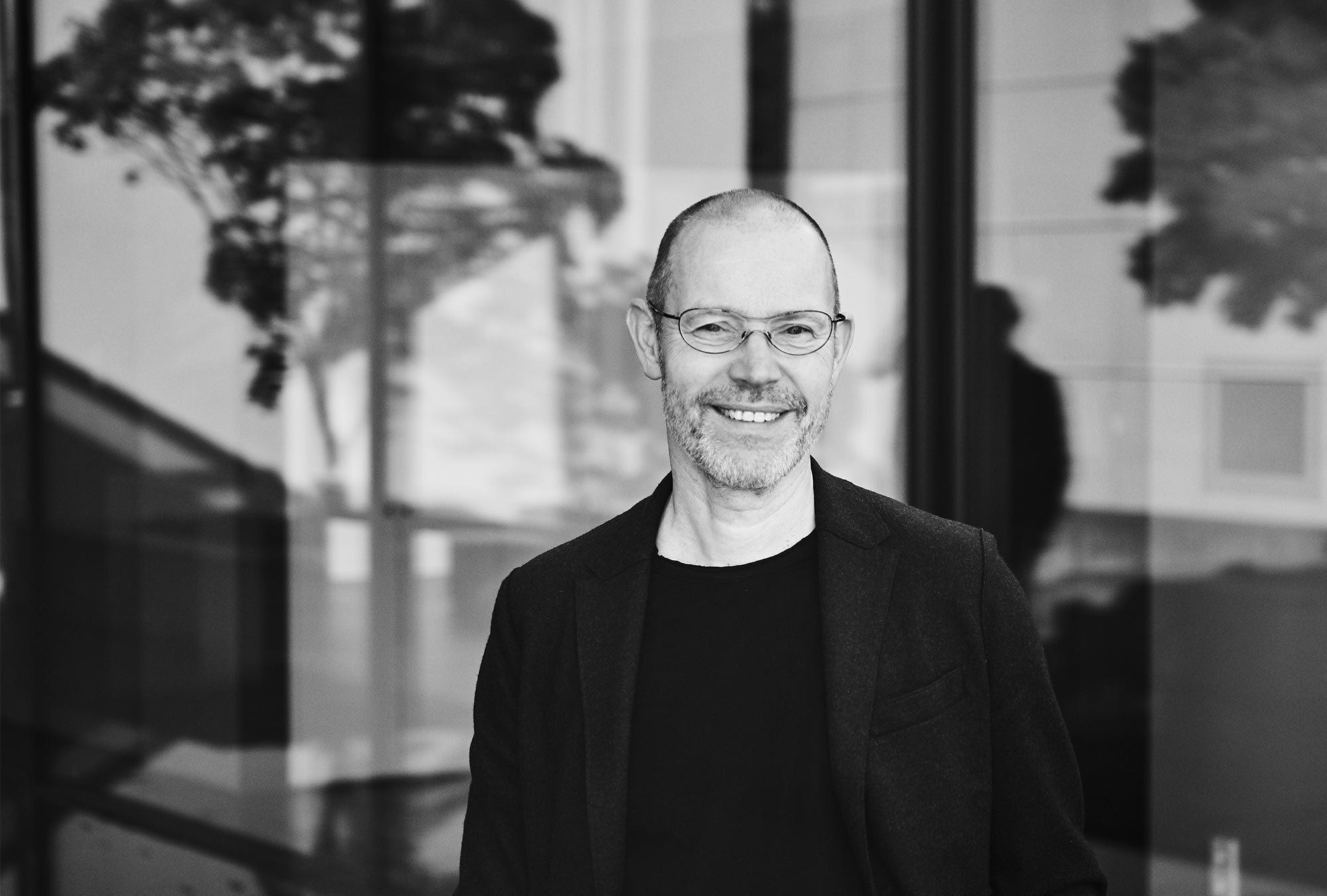 Leo Lübke übernahm 1995 die Leitung des Polstermöbelherstellers COR