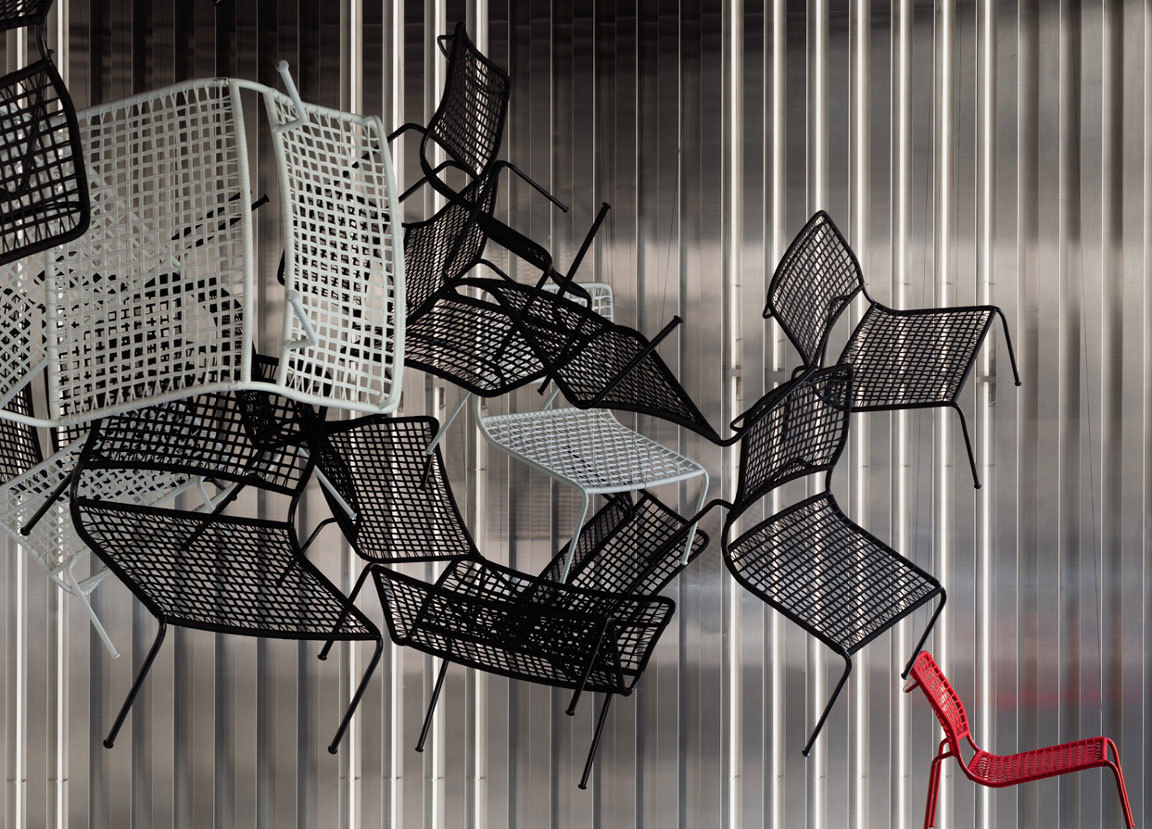 Installation von Living Divani in Corso Monforte, Foto: Living Divani