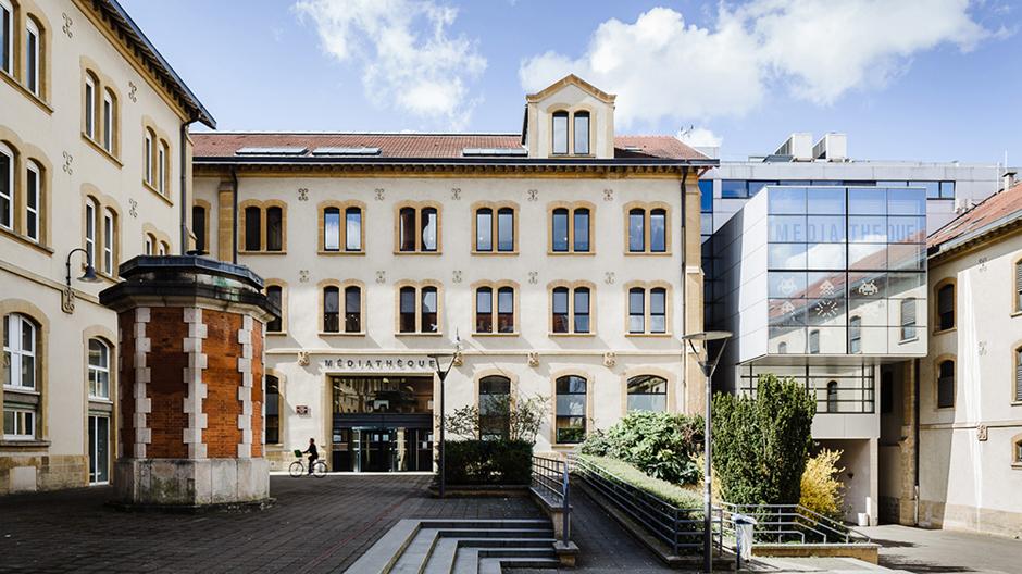 Médiathèque Manufacture de Nancy in der zum Kulturzentrum umstrukturierten Zigarettenfabrik