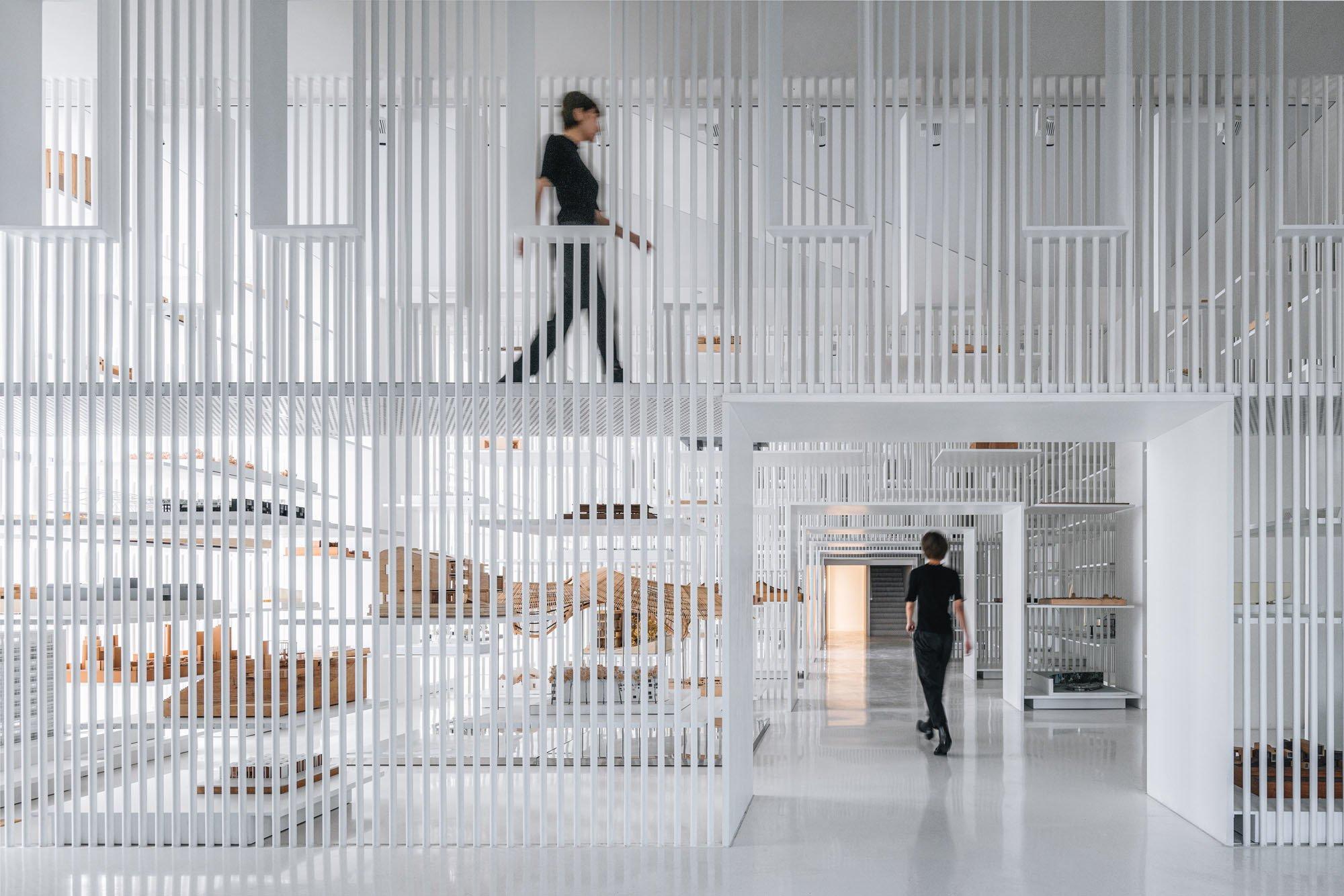 In Shanghai hat das erste chinesische Museum für Architekturmodelle eröffnet. Die Innenraumgestaltung stammt von Yu Ting und seinem vor Ort ansässigen Büro Wutopia Lab.