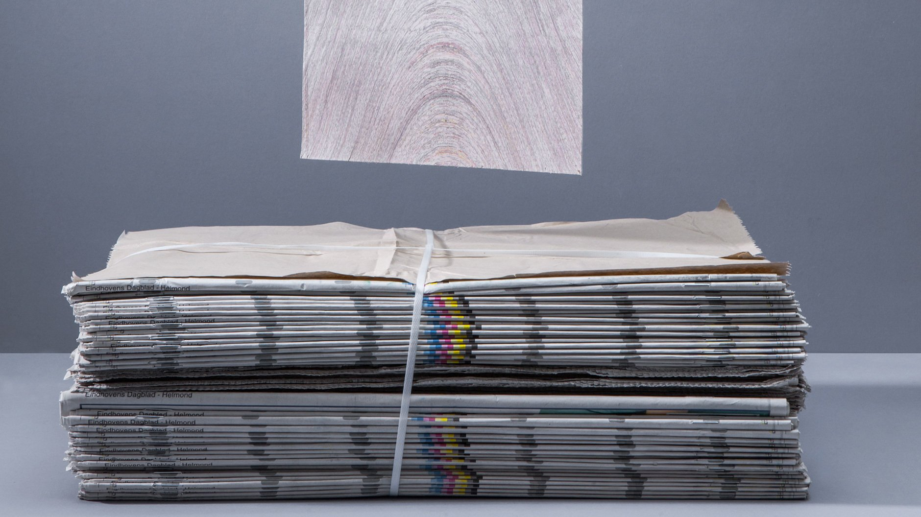 Designer/Hersteller: Vij5, Newspaper Wood
