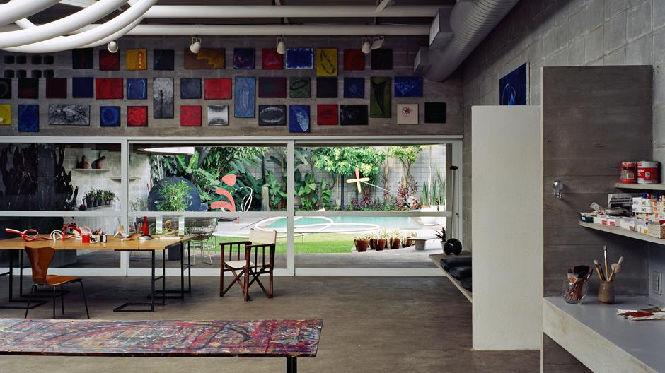 Vier Jahre nach ihrem Tod soll das Haus der renommierten brasilianischen Künstlerin Tomie Ohtake der Öffentlichkeit zugängig gemacht werden. Ein Vorab-Rundgang mit ihrem Sohn Ricardo.