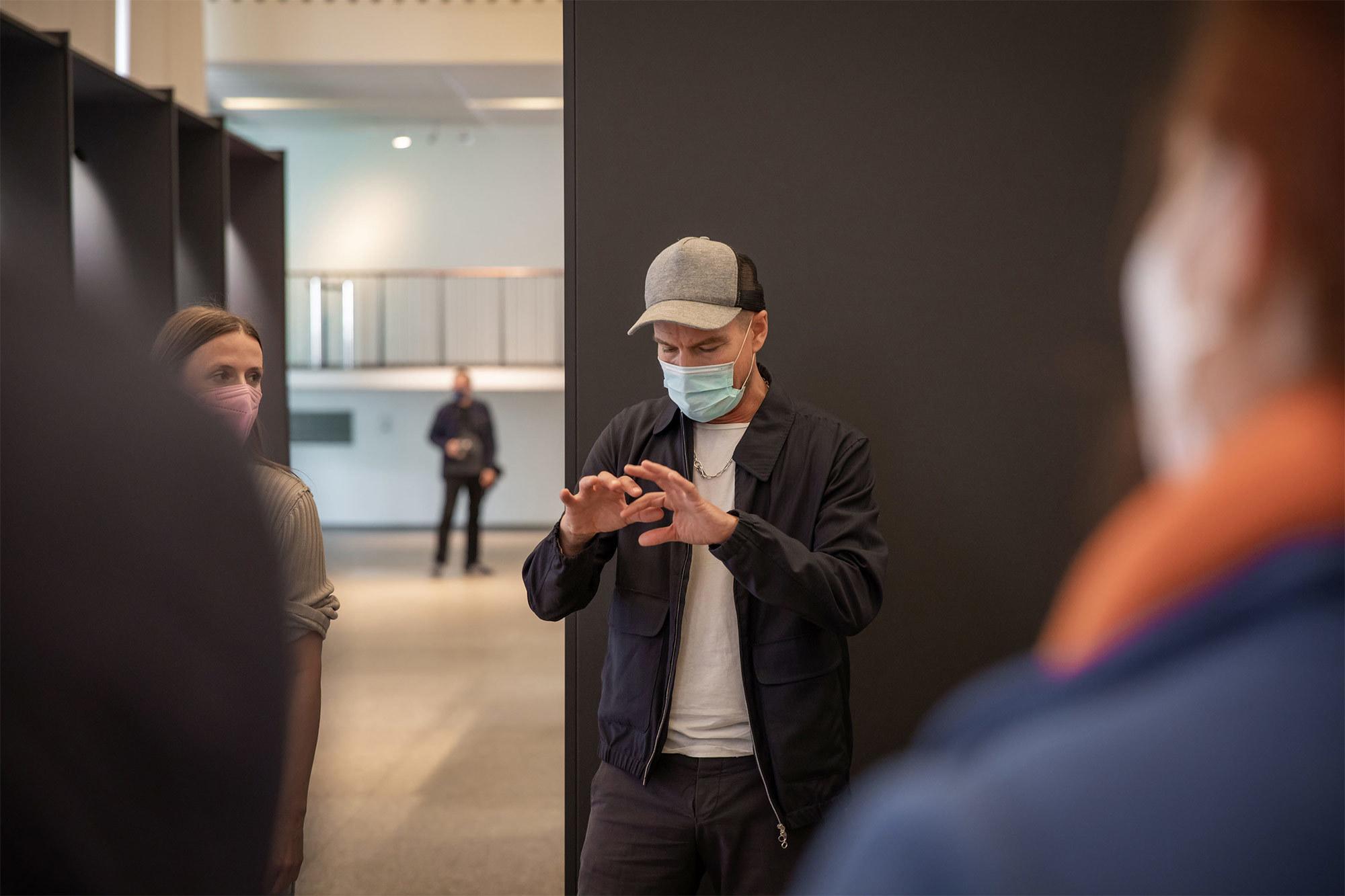 Matylda Krzykowsk und Stefan Diez auf der Ausstellungseröffnung im MAKK. ©wagnerliving