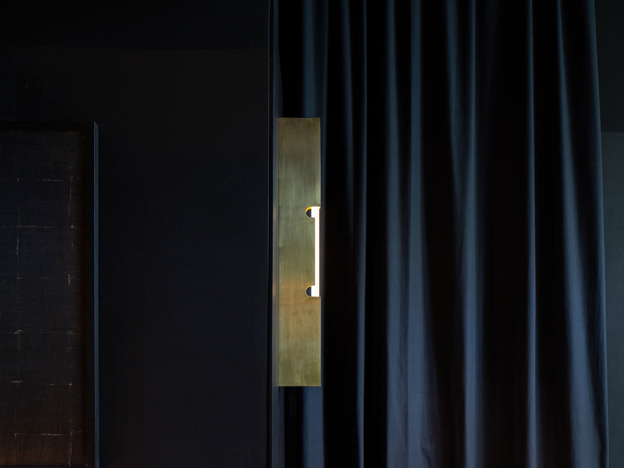 Leuchte Brass Wall, Foto: ©Pournoir