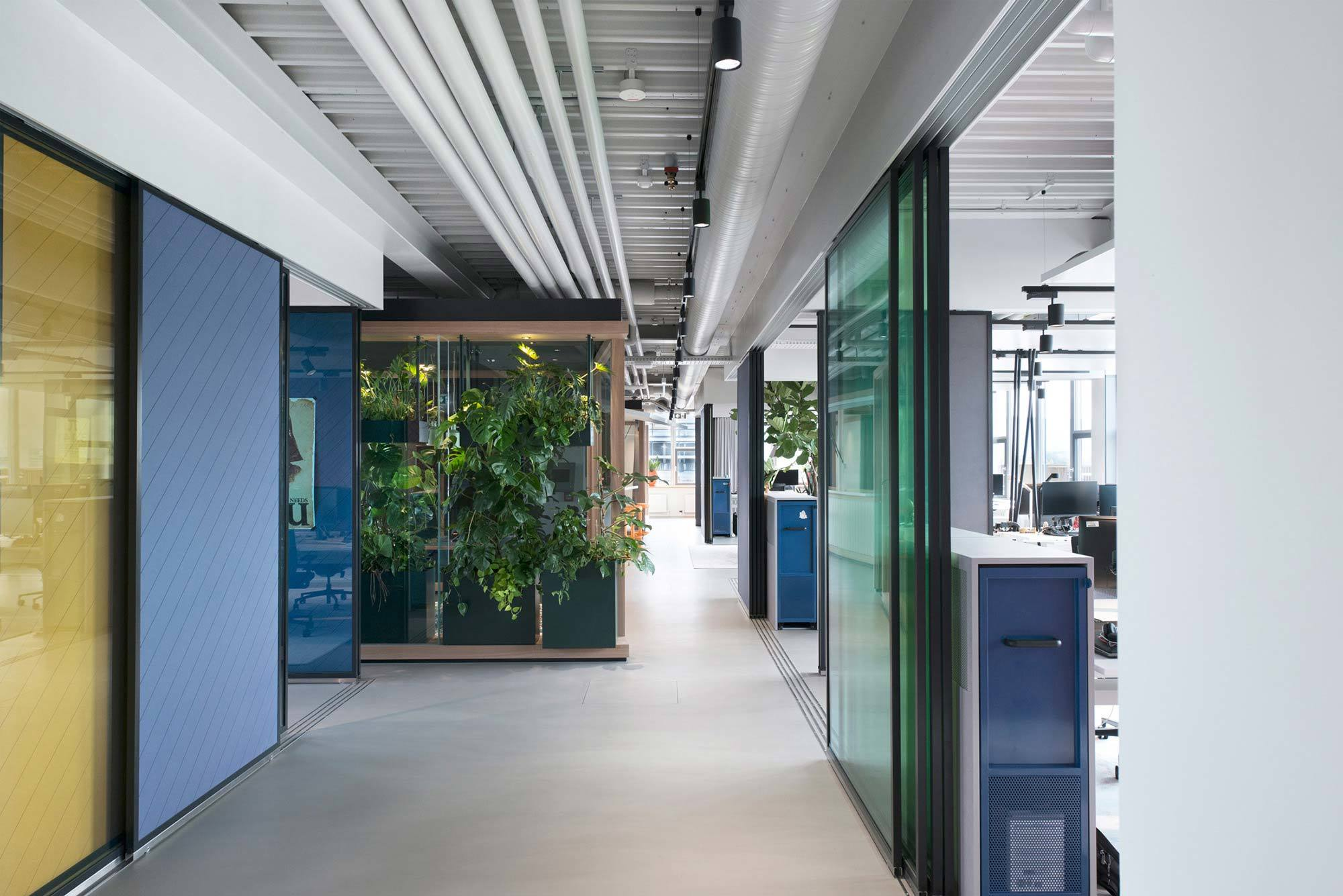 Firestarter, Vector Informatik, 2017, Innenarchitektur: Heller Designstudio, Pflanzen: Objektbepflanzung J.Reiffer, Fotos: Pia Schweisser